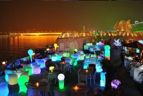 led furniture world